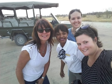 Happy guests on a Sundowner drive